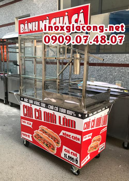 Xe bánh mì chả cá nóng