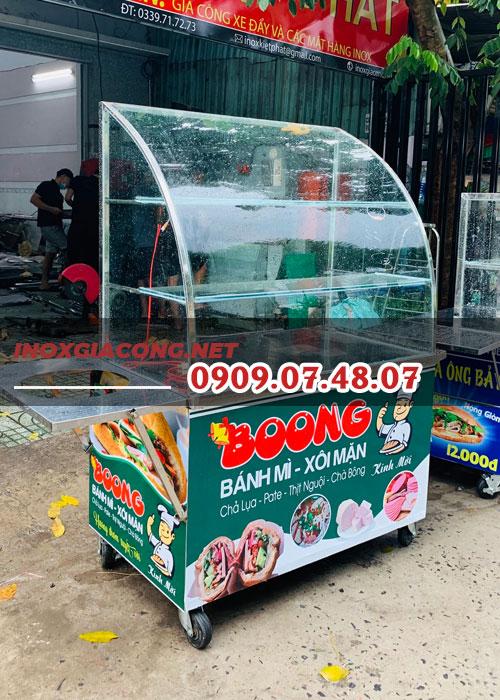 Tủ kính bán bánh mì